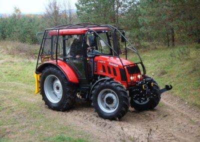 Części zewnętrzne do traktorów.